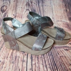 New sz 8 pewter wedges